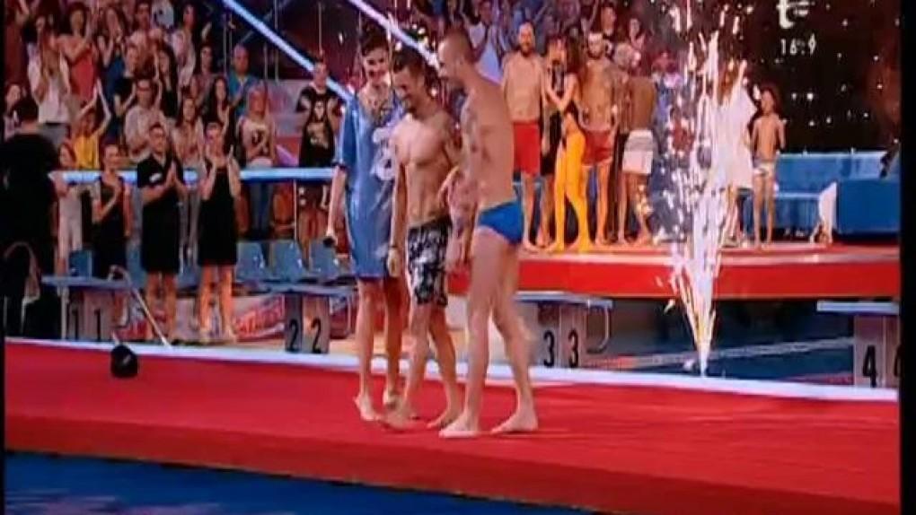 """A sărit de pe tavanul Bazinului Olimpic, iar curajul i-a fost răsplătit! Vladimir Drăghia a câştigat """"Splash! Vedete la apă"""""""