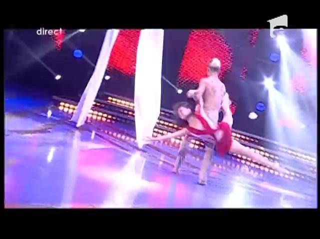 Romeo și Julieta cu final fericit: Bianca și Radu au prins aripi pe ringul de dans
