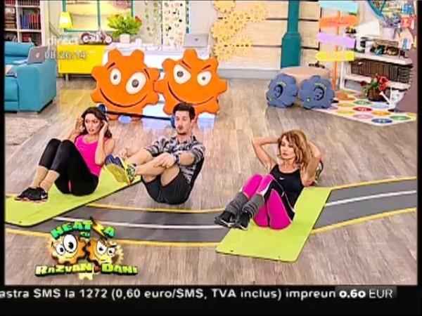 Fitness la Neatza! Mix de exerciții pentru un corp sexy! Flavia, Amalia şi Miruna au efectuat un circuit într-o cu totul altă abordare