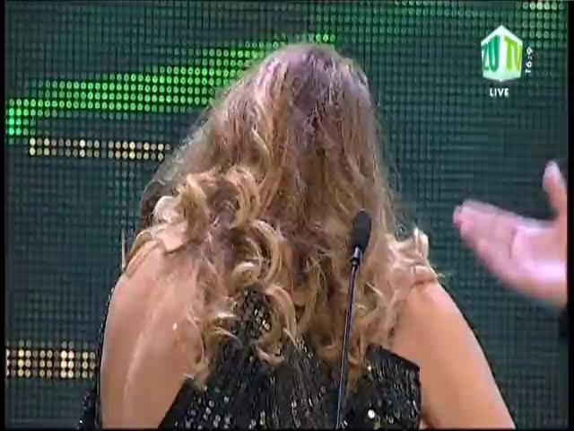 Gina Pistol și Jojo, sărut