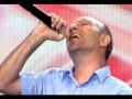 Radu Sorin sparge timpane pe scena X Factor