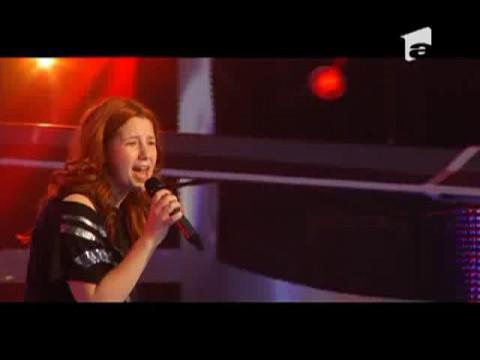 Irina Florea canta desculta