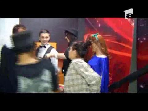 juriul X Factor la intrarea pe scena
