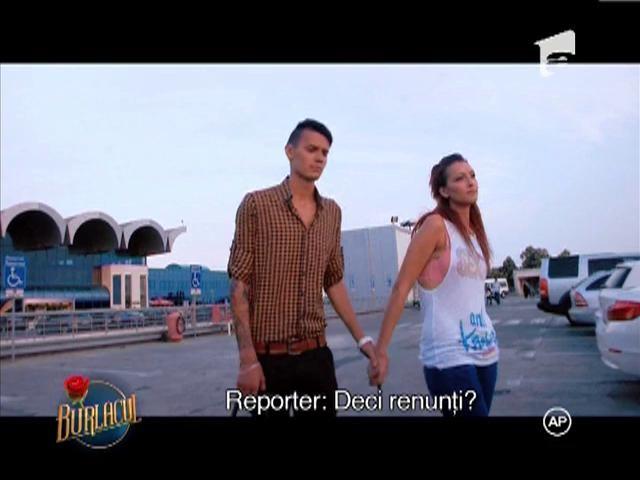 Petruta, intampinata de fratele sau la intoarcerea in Romania