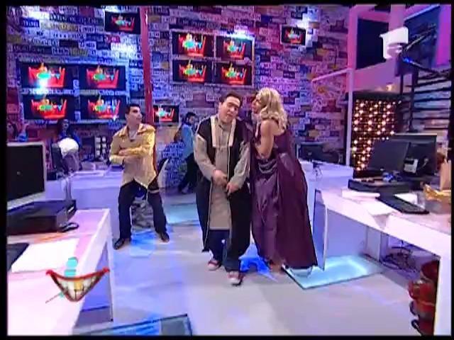 Staţi lipiţi lângă ecran, vă cânta chiar Salma Khan