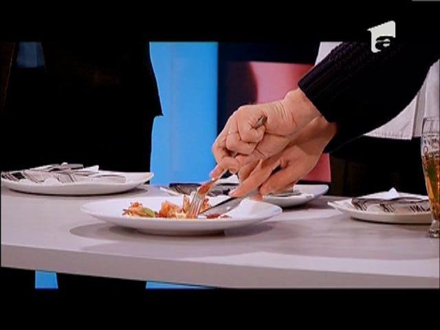 Duel: Daniel Grosu - Pacheţel de pui cu mozzarella