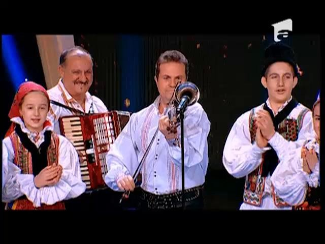 """Juriu: Ansamblul Zestrea Budurești primește 3 stele aurii din partea juriului """"România Dansează"""""""