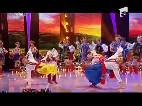 Ansamblul Kozaciok - danseaza