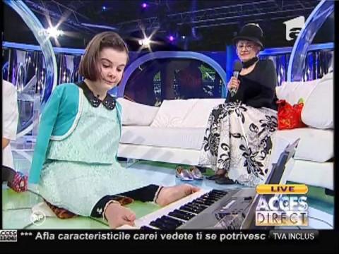 Lorelai, fetița minune fără mâini, cântă la orgă!