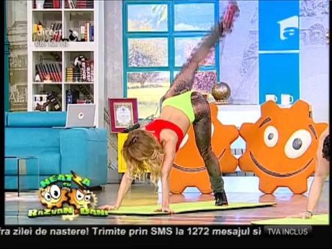 Flavia şi Miruna, exerciții piyo