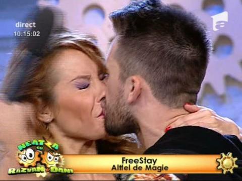 Flavia Mihășan și Florin Ristei, sărutat surprinzător!
