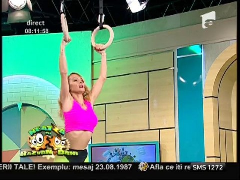 Flavia şi Miruna, exerciții cu inele