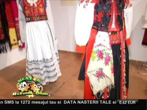 """""""Găteala capului"""" - expoziţie la Muzeul Național al Țăranului Român"""