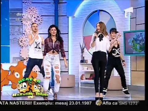 "Ioana feat. Anastasia - ""Ca la metrou"""
