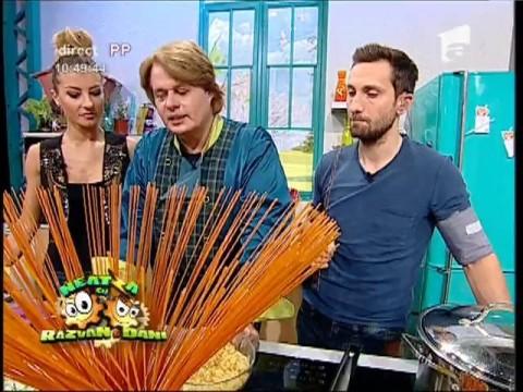 """Vlăduț gătește: """"Spaghete bolognese de post"""""""