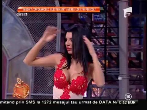 Andreea Tonciu şi Daniela Crudu, sexy şi graţioase pe ringul de dans