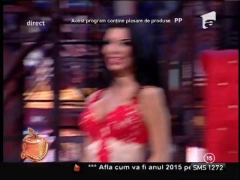 Daniela Crudu, dans cu sânii la vedere
