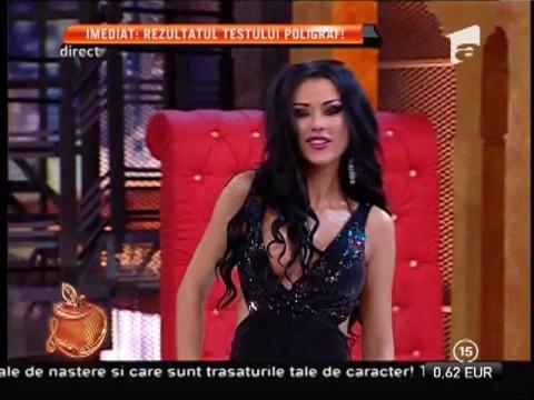 Daniela Crudu, cu sânii pe afară în emisiune