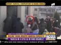 Mama Narcisei Guță cerșește mâncare în fața bisericii!