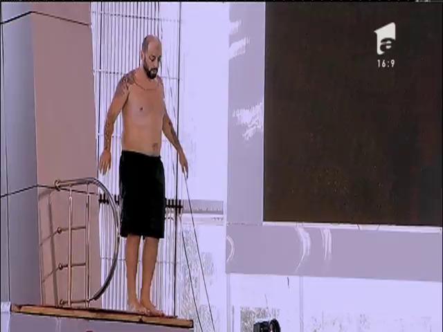 """CRBL """"a sărit cu mâinile sus în aer"""", de la trei metri! Show de excepție la a doua semifinală """"Splash! Vedete la apă!"""""""