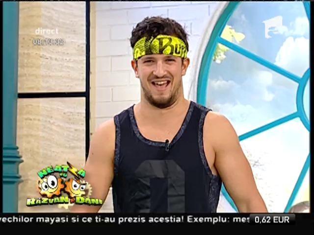 Fitness la Neatza! Mix de training cu Florin Neby și sexy asistentele sale