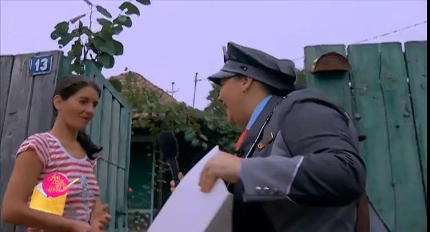 Poștașul merge acasă la mama celor doi copii deosebiți, Mihai și Ioana