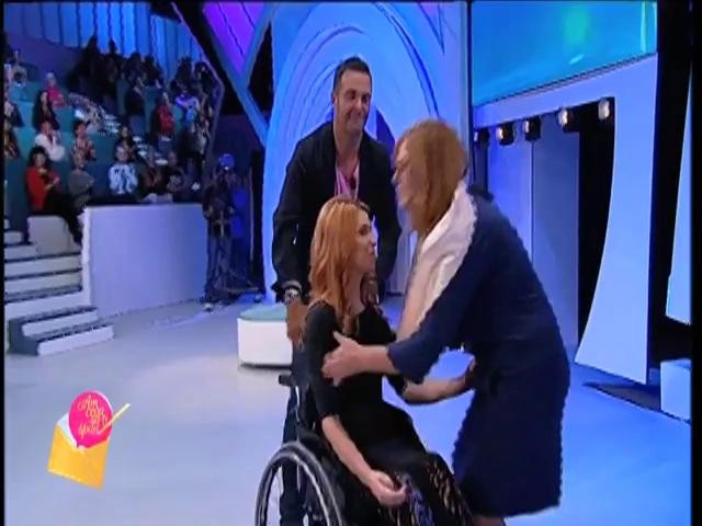 """Magda şi-a reîntâlnit mama în platoul emisiunii """"Am ceva sa-ţi spun!"""""""