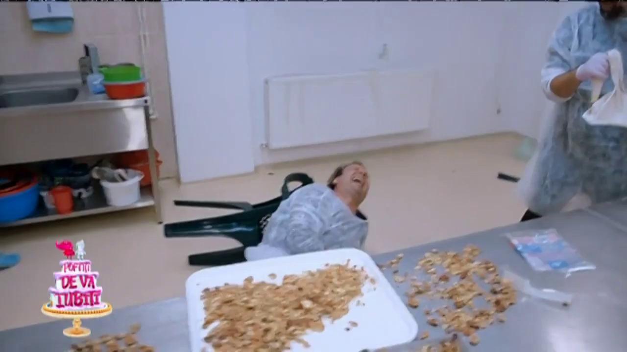 Dan Helciug a rupt un scaun în cofetărie!