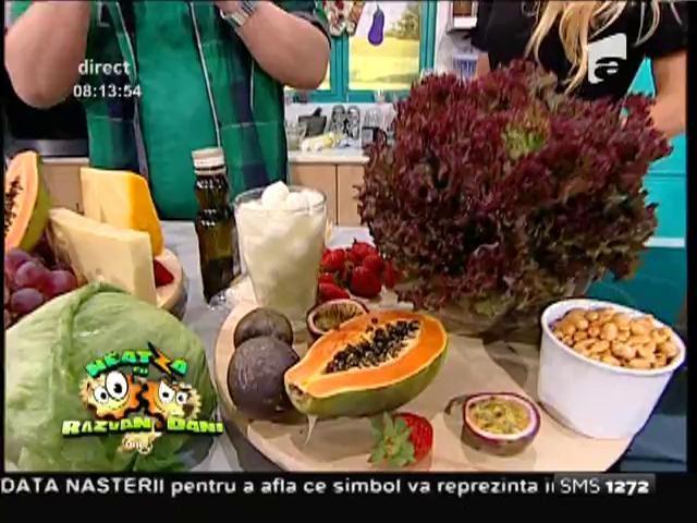 Reţeta zilei: Sănătate curată! Salată exotică cu cinci tipuri de brânză