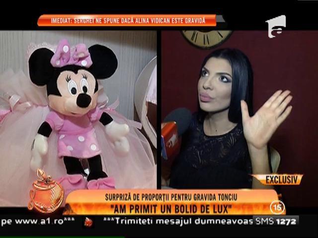 """Surpriză de proporţii pentru graviduţa Andreea Tonciu: """"Am primit un bolid de lux!"""""""