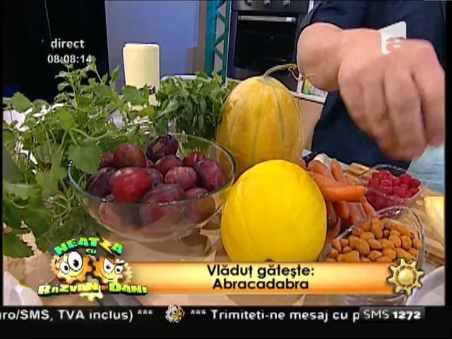 Spectacolul culinar marca Vlăduț continuă. Specialitate zilei: Mușchiuleț de porc cu legume și fructe