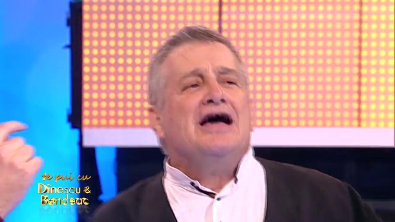 """Mircea Dinescu recită poezia """"Sunt tânăr, doamnă"""""""