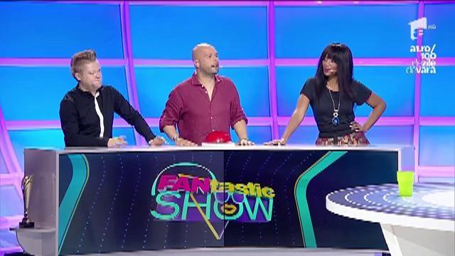 """FANtastic show: """"Paharele cu masă rotundă"""". Echipa lui Liviu Vârciu a câştigat proba"""