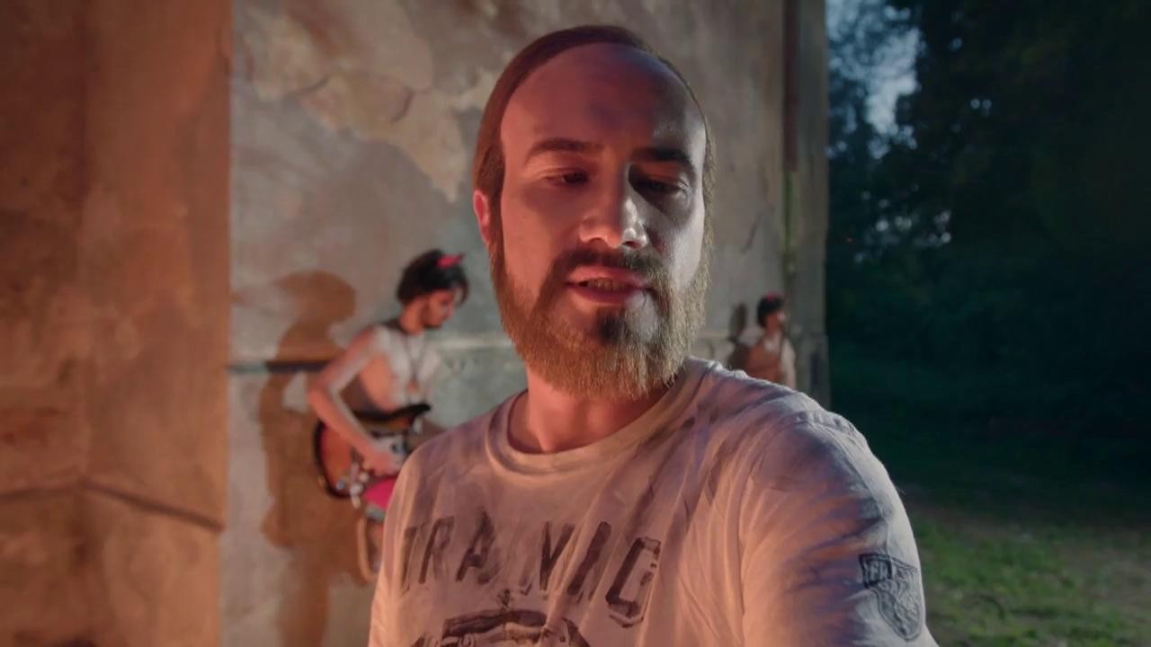"""Andrei Versace a plecat dintre noi și a ajuns în Iad. Regele fițelor din Dorobanți găsește locul """"corect și corespunzător"""""""