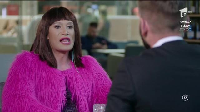 """Transsexualul NAOMI revine în forță! """"Nu trebuie să mai caut nimic la un bărbat, că știu exact unde e! Fă-ţi CASCO pentru că în seara asta te tamponez!"""""""