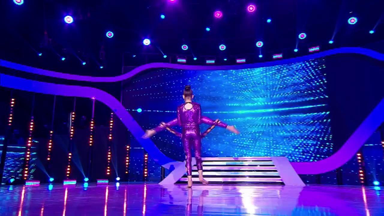 Ale și Bea, număr senzațional de acro dance pe scena Next Star