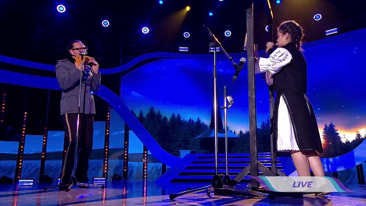 """Lacrimi și emoție la """"Next Star""""! Alexandra Șerban cântă senzațional la toacă, alături de celebrul Nicolae Voiculeț"""
