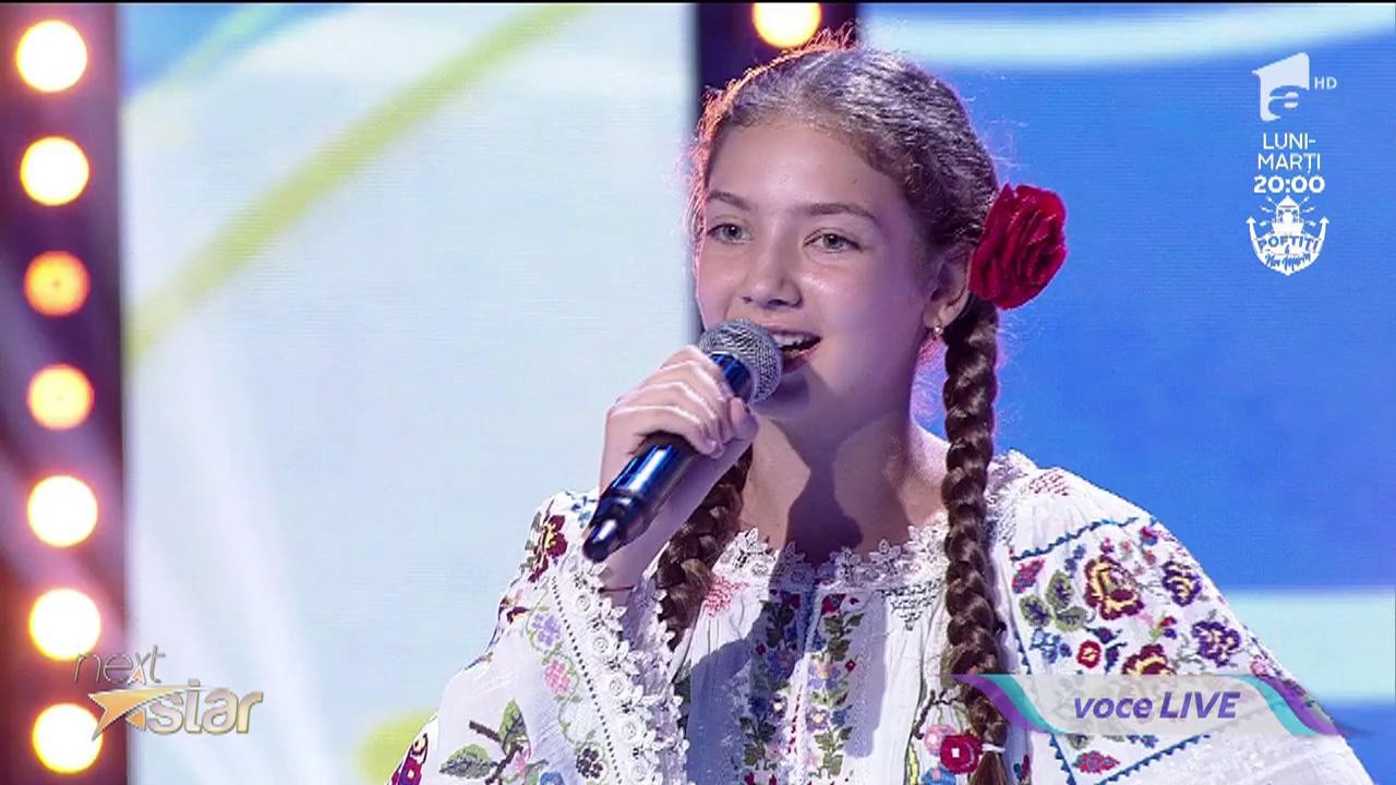 Joc și voie bună la Next Star! Roxana Pațanghel cântă o piesă din folclorul românesc