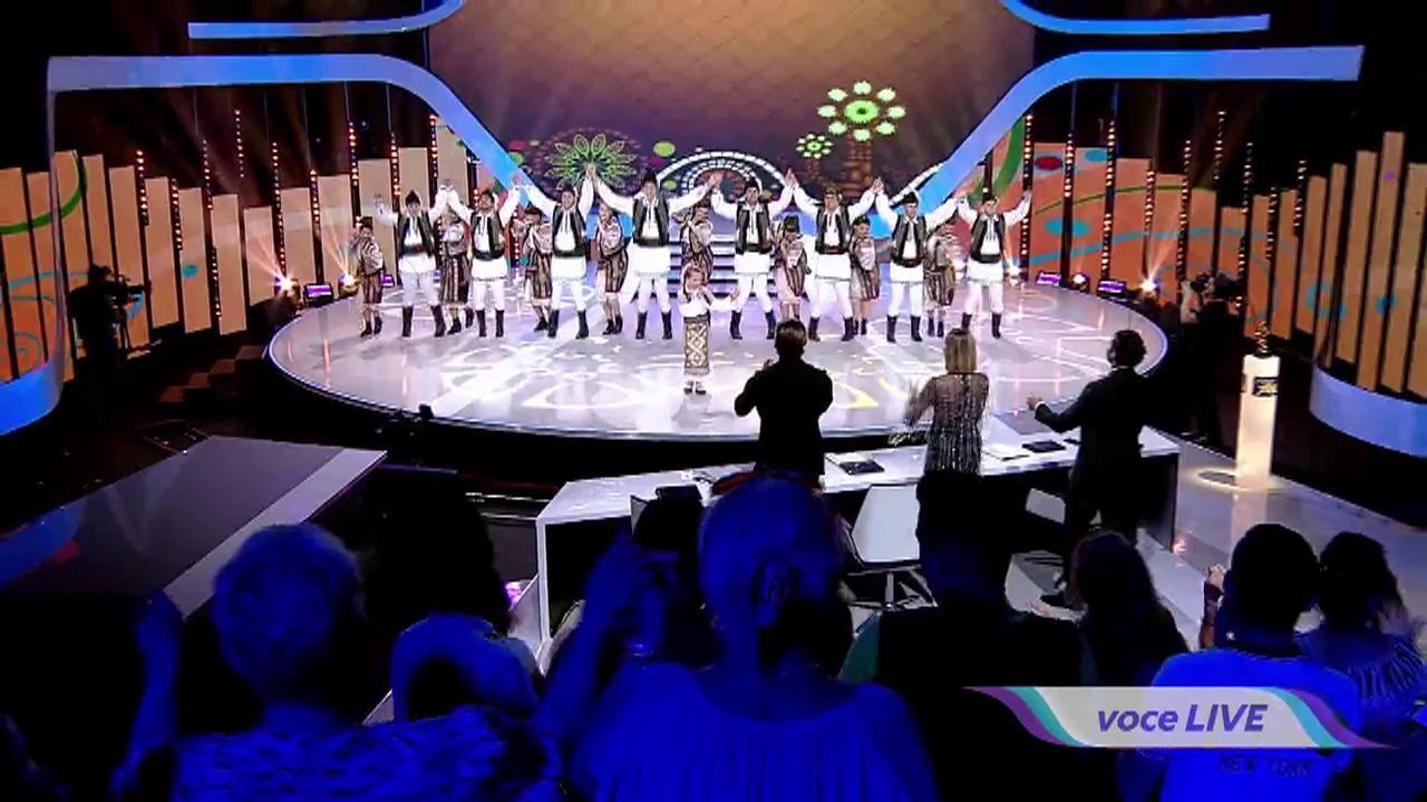 """Anastasia Ciobanu cântă o piesă din repertoriul folcloric în Marea Finală """"Next Star"""""""