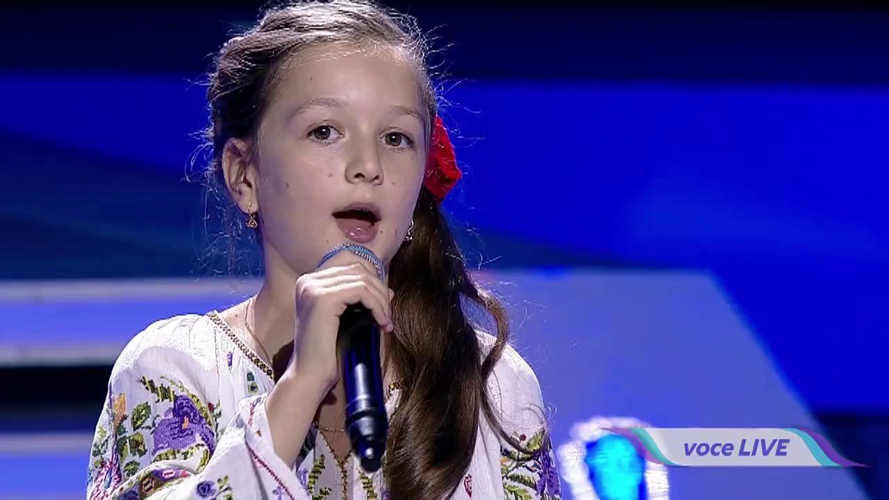 O adevărată ciocârlie a muzicii românești! La doar 11 ani, Andra i-a fermecat pe toți cu o voce de AUR!