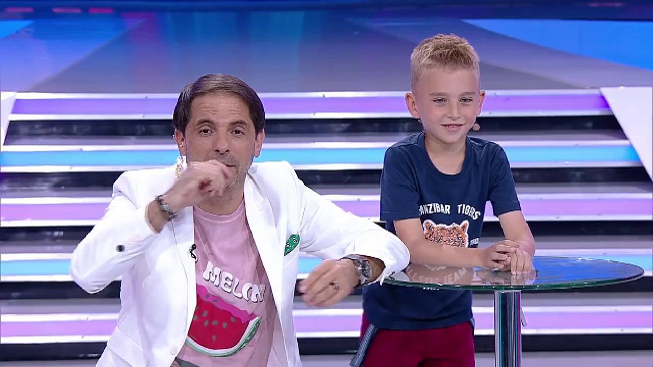 """Mihai Dobre e """"Micul Einstein"""" al României! Face calcule cu milioane și miliarde, totul ÎN MINTE, în doar câteva secunde! Și asta nu e tot!"""