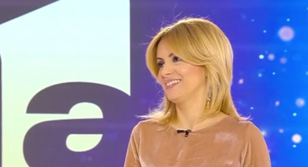 25 de ani de Antena 1. Imagini de colecție cu Simona Gherghe! Ce i-au spus părinții după ce au văzut-o la televizor– VIDEO