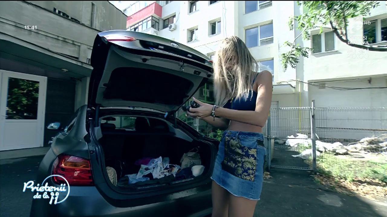 Ramona Olaru a rămas blocată în mașina lui Florin Ristei