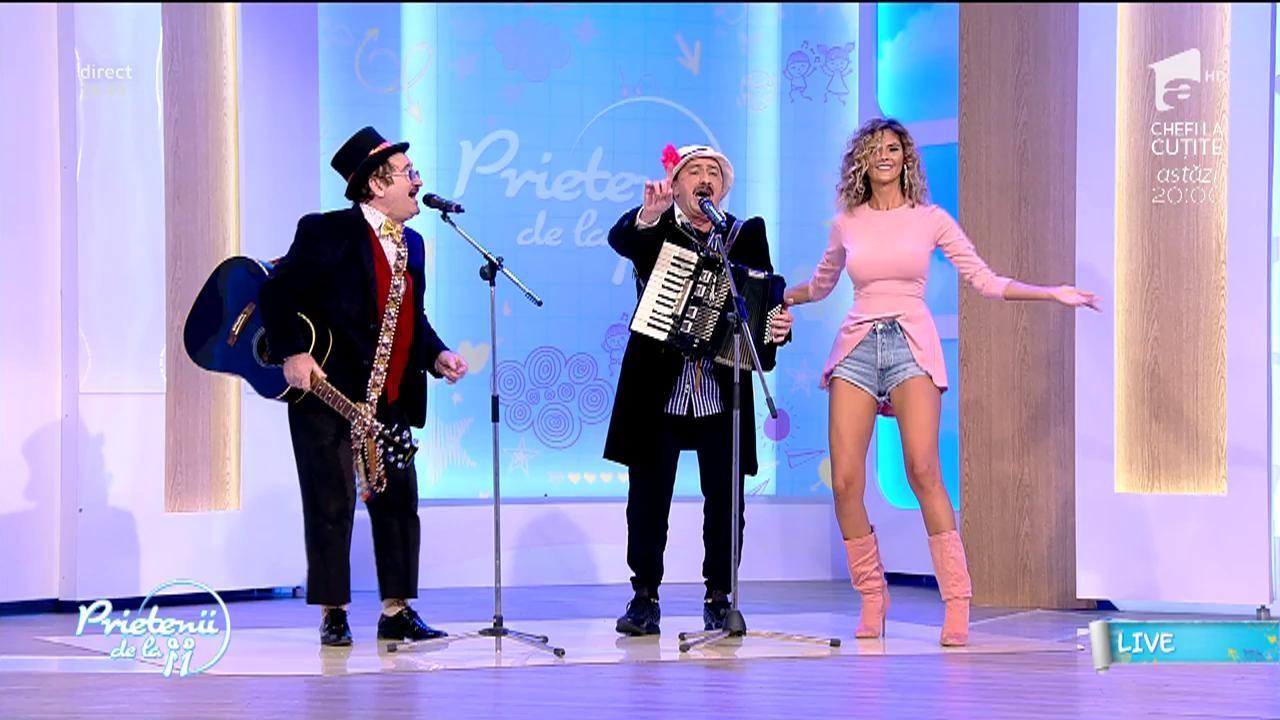"""Nu ai cum să nu îi iubești! Romică Țociu şi Cornel Palade au făcut spectacol la """"Prietenii de la 11""""! Au cântat """"Constantine, Constantine"""" - VIDEO"""