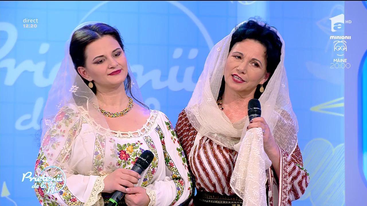 """Ruxandra & Mioara Pitulice - """"Sărut mâna, maica mea"""""""