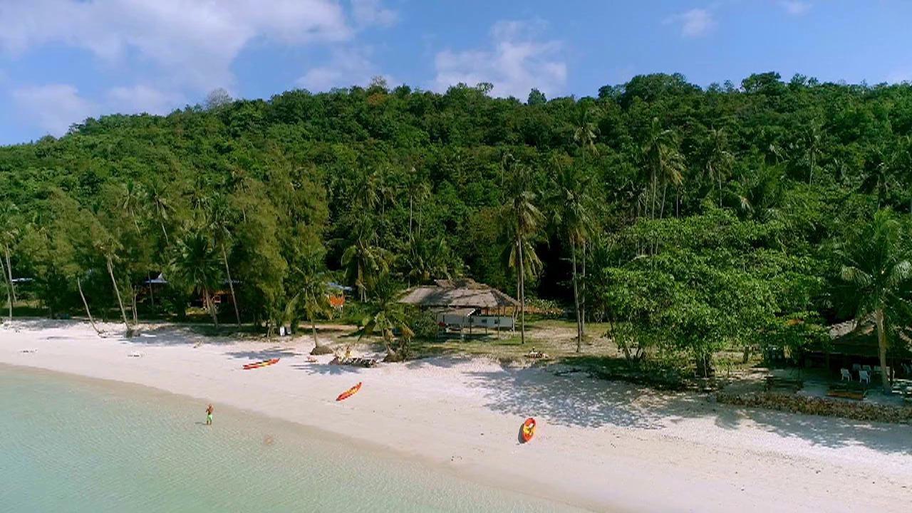 Insula Iubirii - Sezonul 5 - Episodul 1
