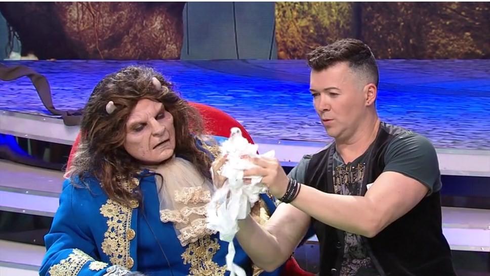 Scena Misterelor. Masca Contele. Magicianul Lorenzo, moment spectaculos de magie