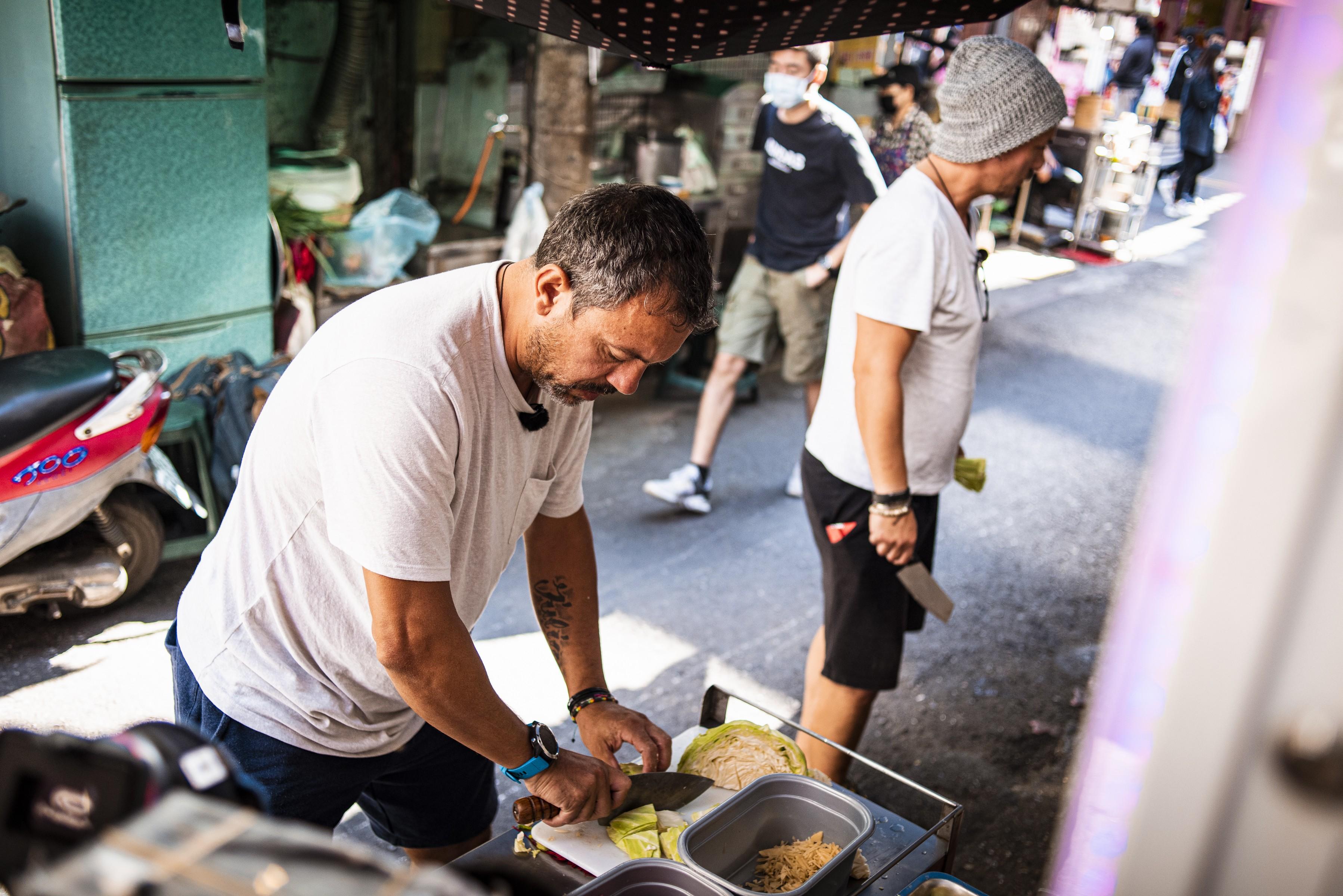 Sorin Bontea și Răzvan Fodor, bucătari de ocazie în Taichung