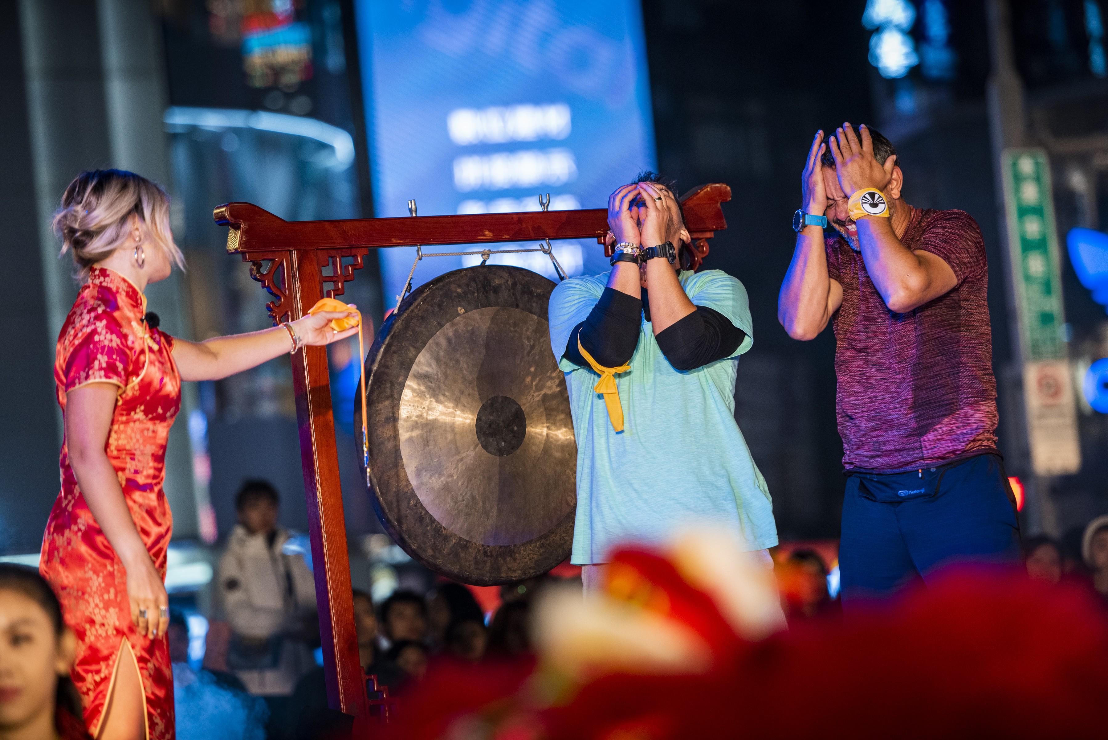 Gongul de final s-a auzit! Sorin Bontea şi Răzvan Fodor sunt câştigătorii sezonului 3 de la Asia Express - Drumul Comorii