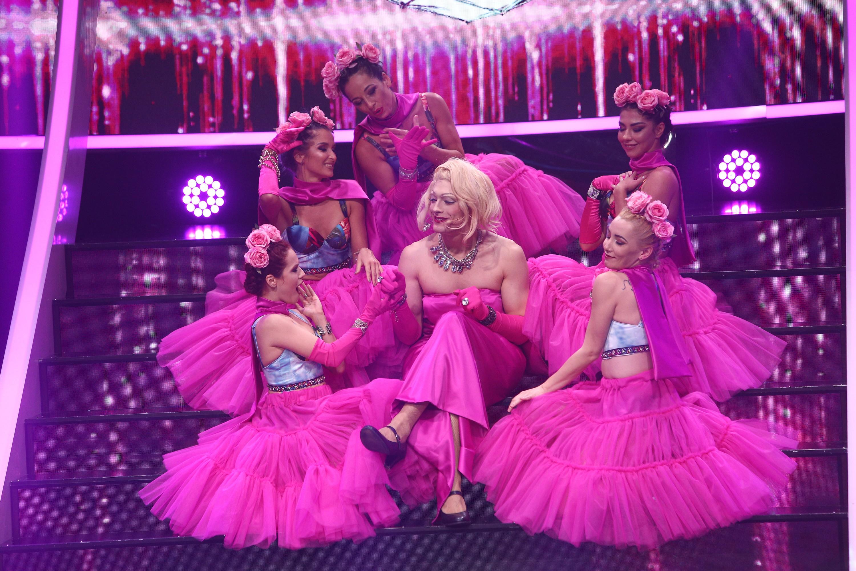 """Toto Dumitrescu se transformă în Marilyn Monroe - """"Diamonds are girl's best friend"""", la Te cunosc de undeva!"""